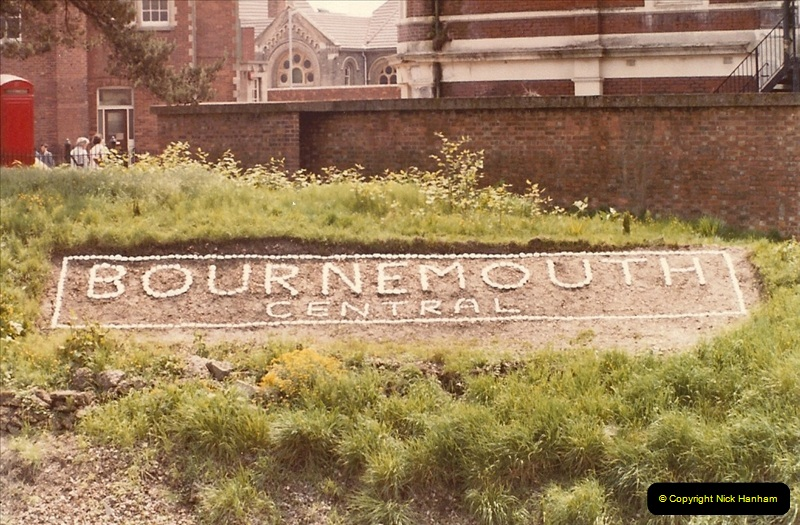 1985-12-24 Bournemouth, Dorset.  (6)328