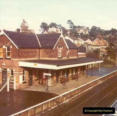 1977 Summer. Parkstone, Poole, Dorset.   (16)079