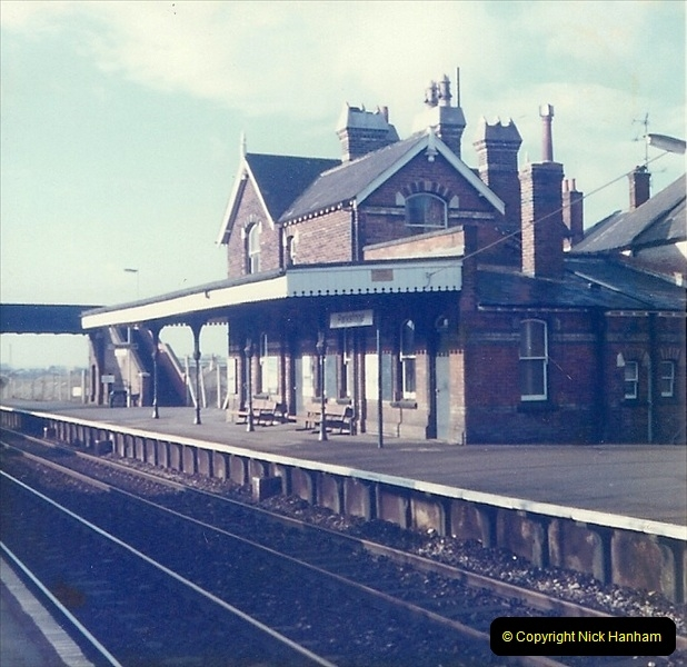 1977 Summer. Parkstone, Poole, Dorset.   (20)083