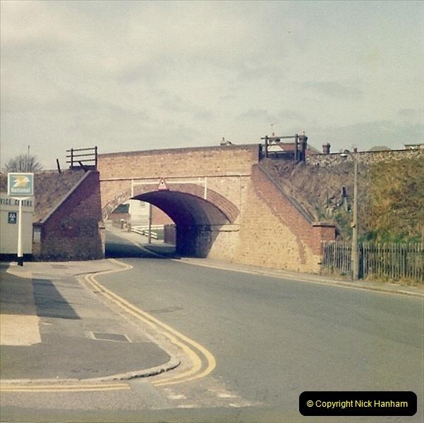 1977 Summer. Parkstone, Poole, Dorset.   (8)071