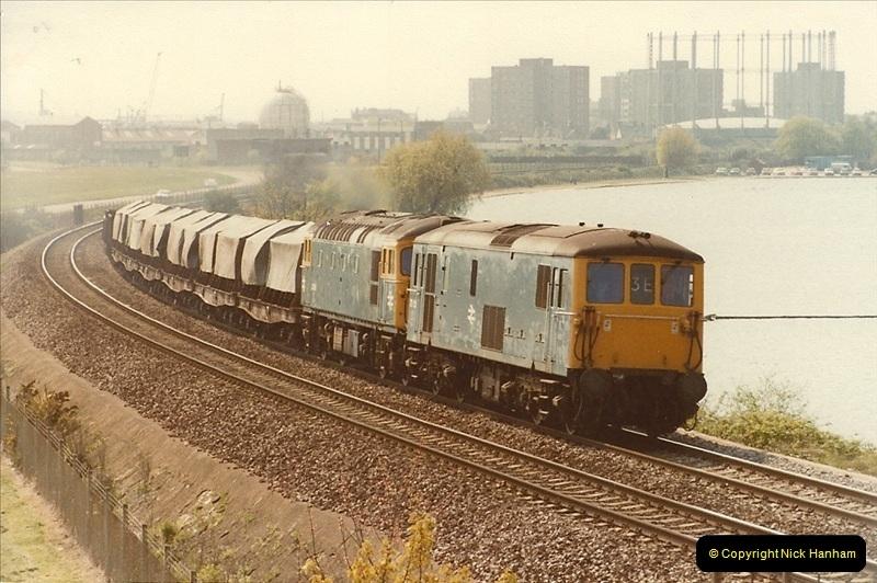 1982-04-27 Parkstone, Poole, Dorset.  (2)154