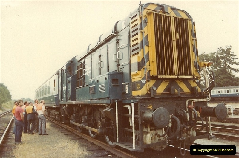 1982-06-08 Bournemouth Depot Visit by SR Volunteers.  (3)157