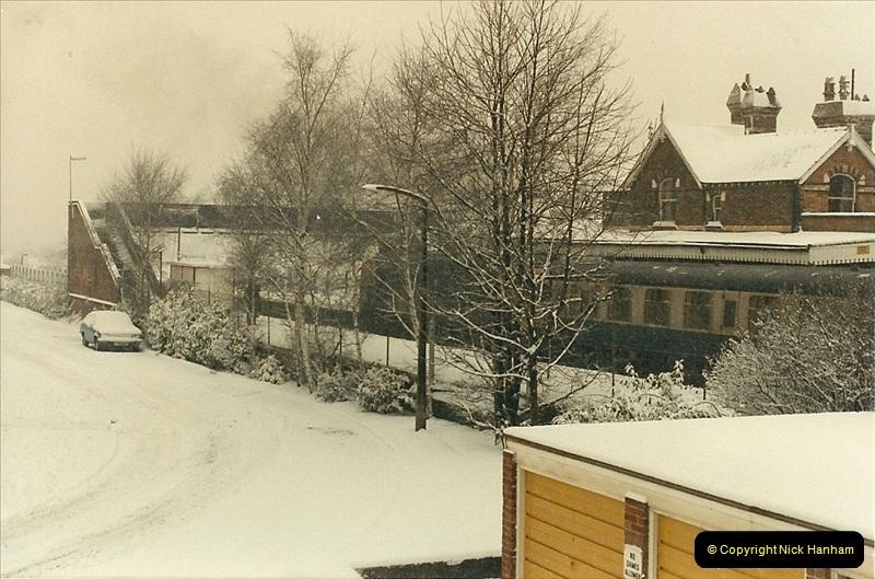 1985-01-18 Parkstone, Poole, Dorset.  (1)196