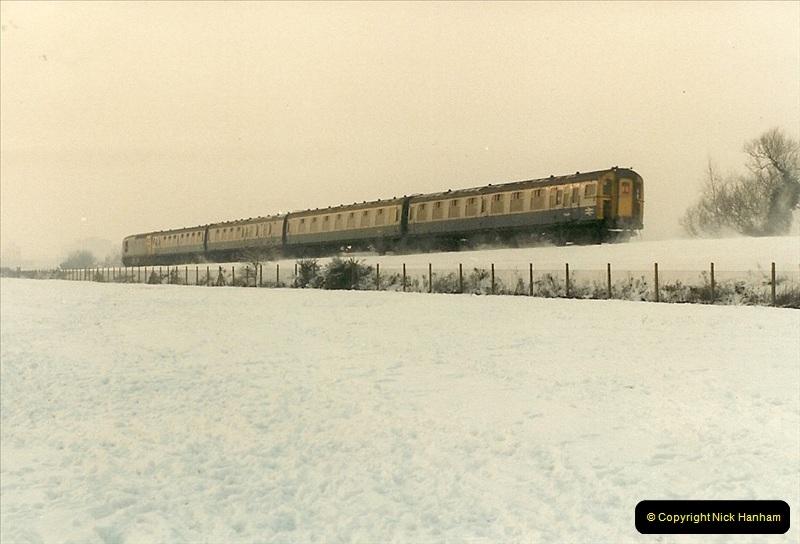 1985-01-19 Parkstone, Poole, Dorset.  (3)208