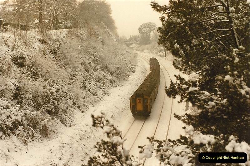 1985-01-19 Parkstone, Poole, Dorset.  (8)213