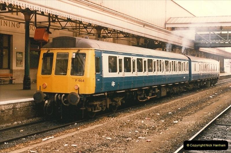 1985-11-23 Exeter St. Davids.  (13)238