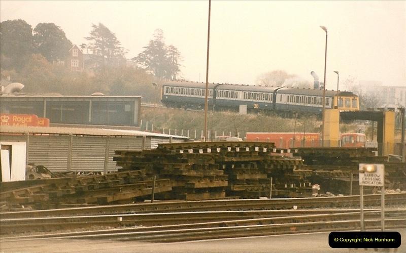 1985-11-23 Exeter St. Davids.  (8)233