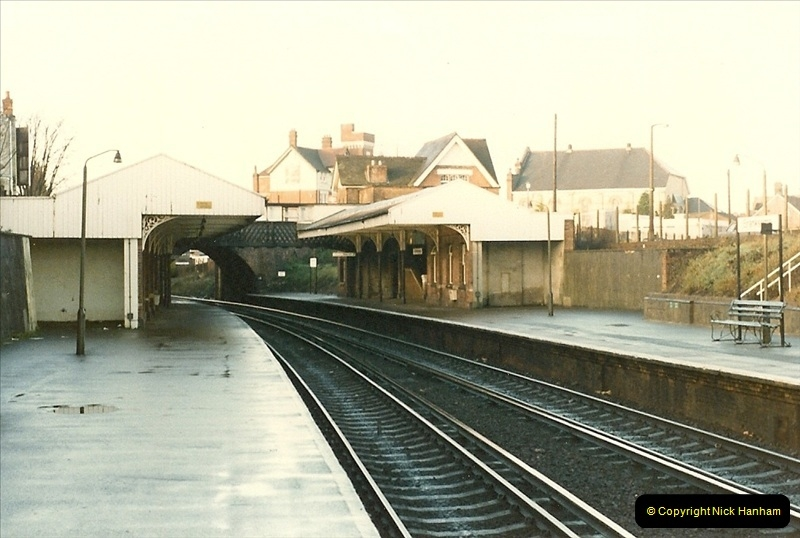 1985-12-07 Branksome, Poole, Dorset.  (11)281