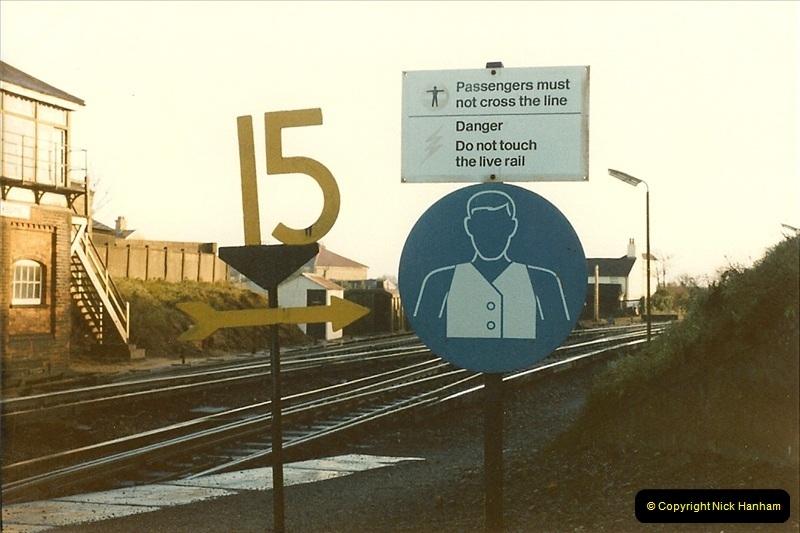 1985-12-07 Branksome, Poole, Dorset.  (8)278