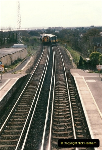 1998-04-09 Parkstone, Poole, Dorset.  (17)083