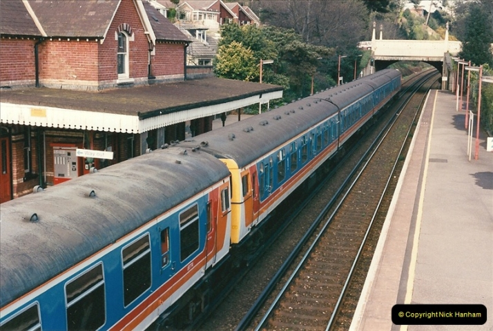 1998-04-09 Parkstone, Poole, Dorset.  (20)086