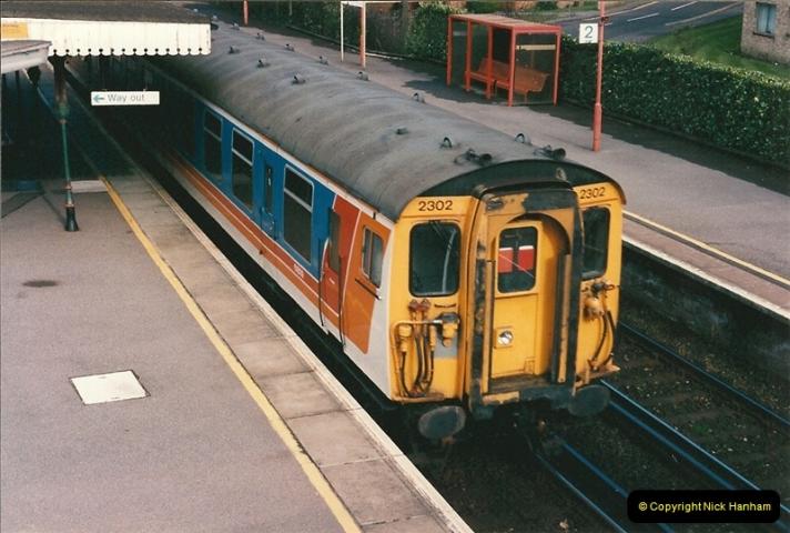 1998-04-09 Parkstone, Poole, Dorset.  (21)087