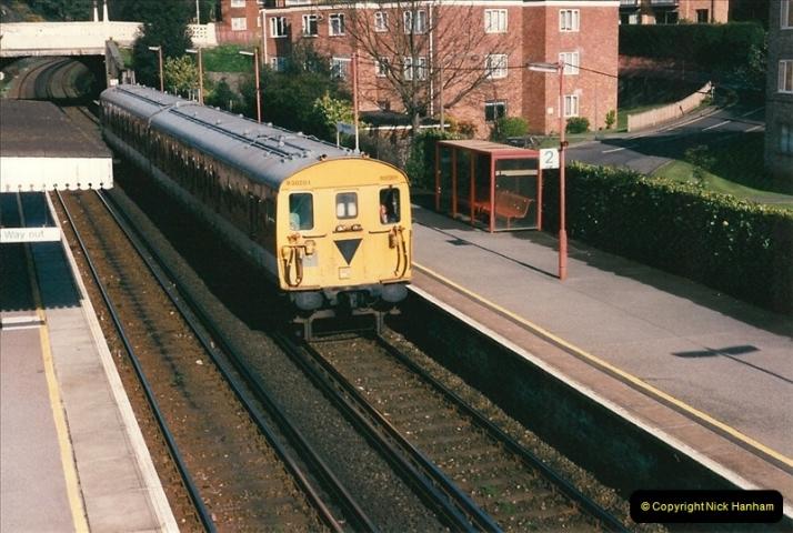 1998-04-09 Parkstone, Poole, Dorset.  (23)089
