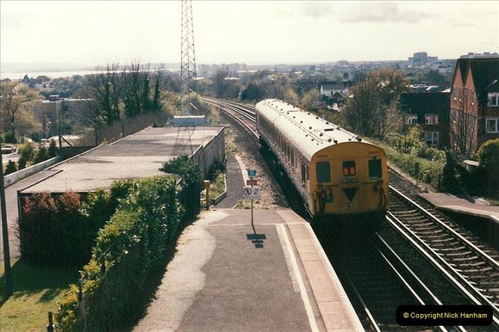 1998-04-09 Parkstone, Poole, Dorset.  (25)091