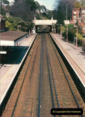 1998-04-09 Parkstone, Poole, Dorset.  (26)092