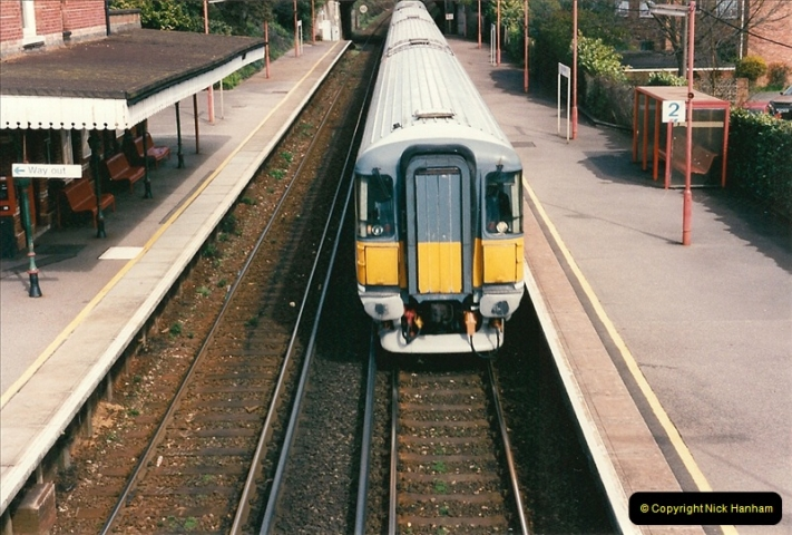 1998-04-09 Parkstone, Poole, Dorset.  (5)071