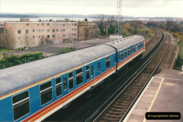 1998-04-09 Parkstone, Poole, Dorset.  (7)073