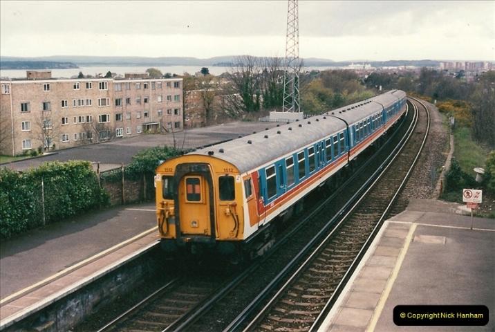 1998-04-09 Parkstone, Poole, Dorset.  (8)074