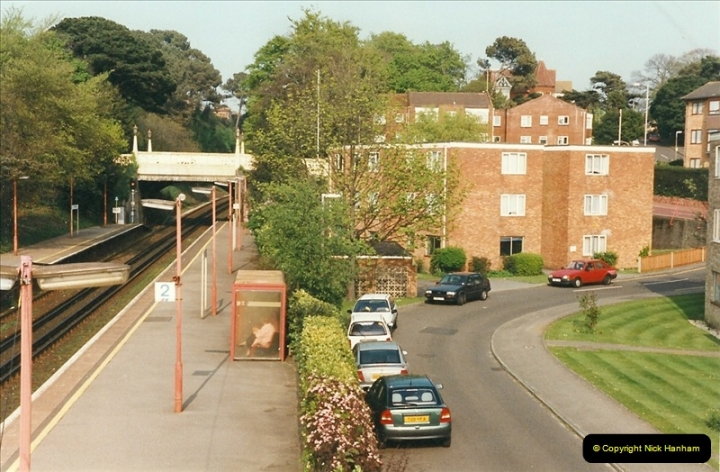 1999-04-30 Parkstone, Poole, Dorset.  (2)205