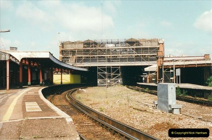 1999-05-29 Bournemouth refurbishment progress. Bournemouth, Dorset.  (3)209
