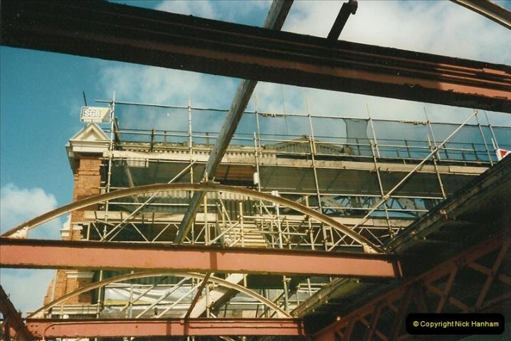 1999-05-29 Bournemouth refurbishment progress. Bournemouth, Dorset.  (8)214