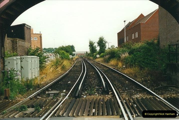 1999-08-08 Poole level crossing, Poole, Dorset.  (2)227