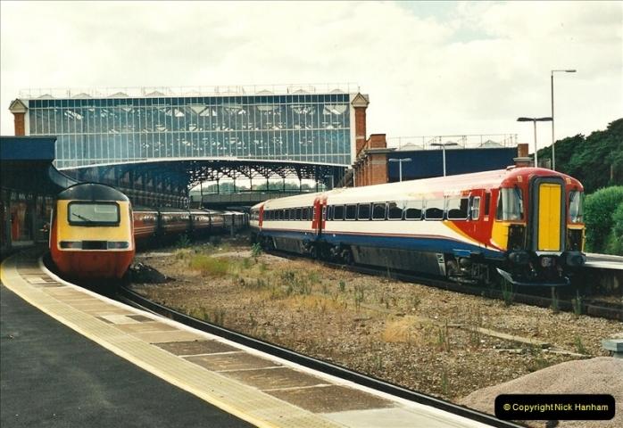 2000-08-11 Bournemouth, Dorset.  (2)287