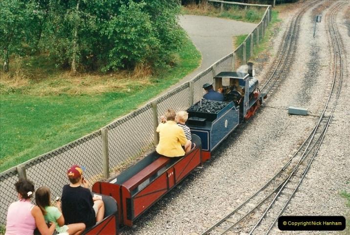 2000-08-22 Moors Valley Railway, Ringwood, Hampshire.  (15)325