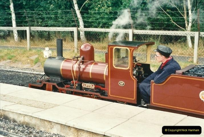 2000-08-22 Moors Valley Railway, Ringwood, Hampshire.  (4)314
