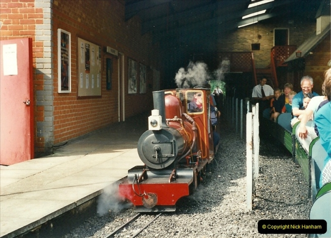2000-08-22 Moors Valley Railway, Ringwood, Hampshire.  (9)319