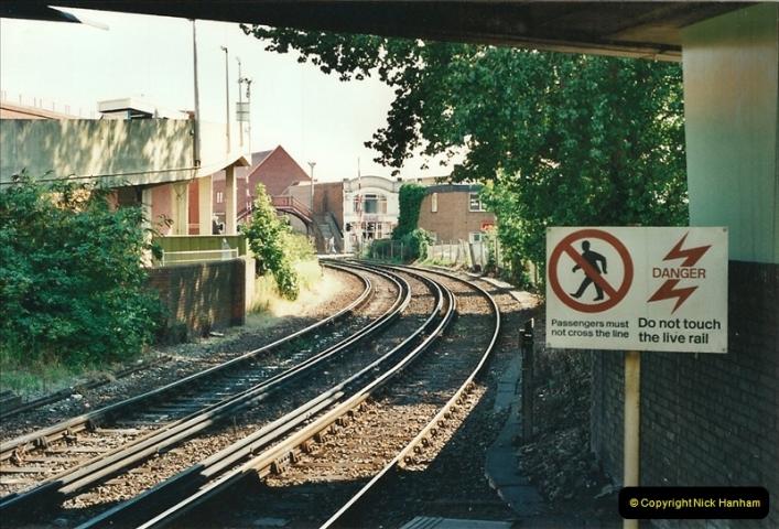 2000-08-30 Poole, Dorset.  (1)330