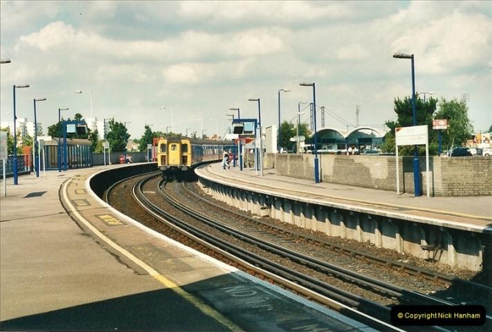 2000-08-30 Poole, Dorset.  (2)331
