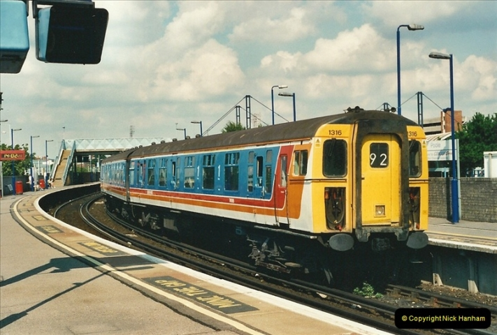 2000-08-30 Poole, Dorset.  (3)332