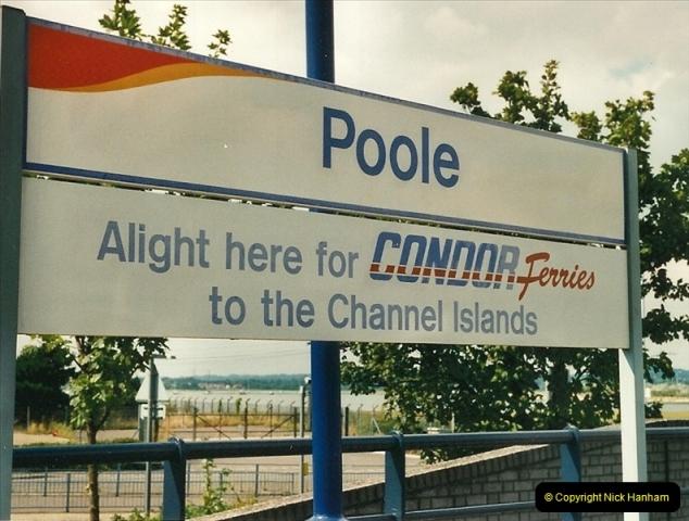 2000-08-30 Poole, Dorset.  (6)335