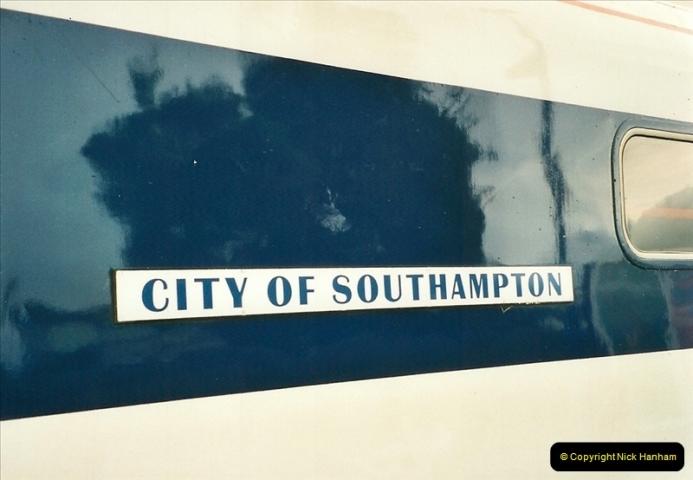 2000-08-30 Poole, Dorset.  (8)337