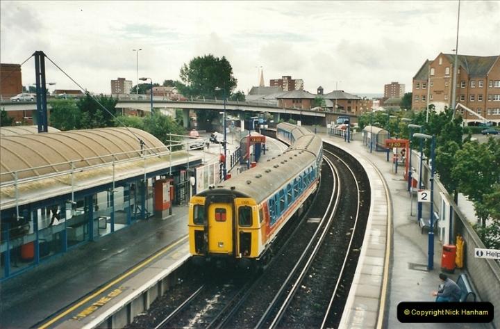 2000-09-06 Poole, Dorset.  (1)339