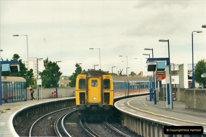 2000-09-06 Poole, Dorset.  (2)340