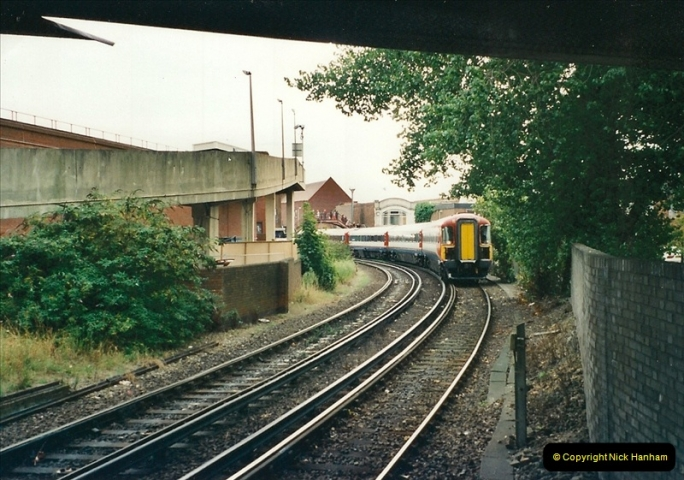 2000-09-06 Poole, Dorset.  (3)341