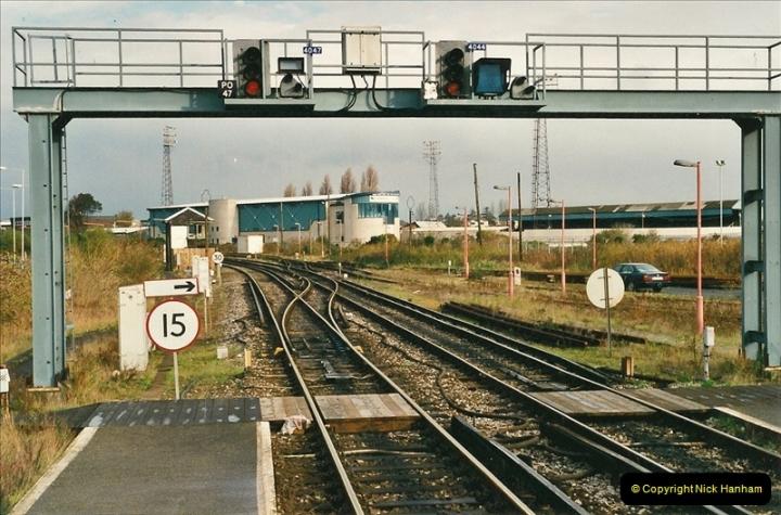 2000-11-07 Poole, Dorset.  (4)351