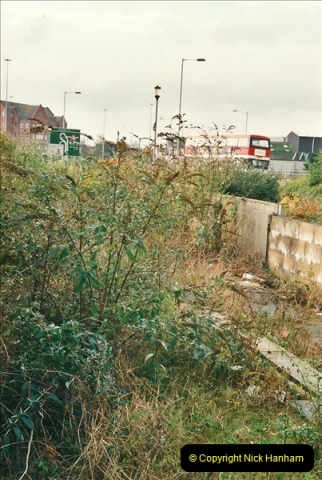 2000-11-07 Poole, Dorset.  (5)352