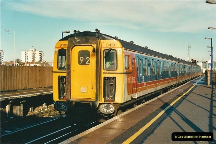 2001-01-25 Poole, Dorset.  (2)354