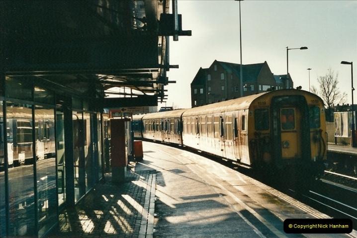 2001-01-25 Poole, Dorset.  (4)356