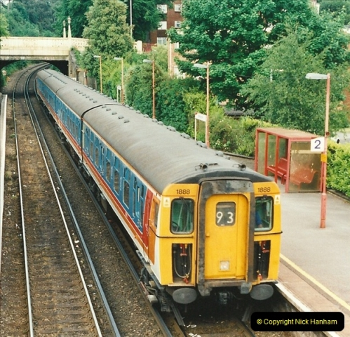 2001-06-04 Parkstone, Poole, Dorset.  (4)374