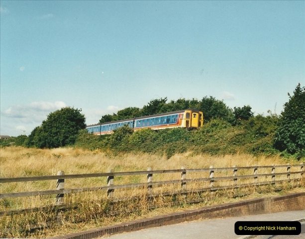 2001-08-08 Whitecliffe, Poole, Dorset.  (1)380