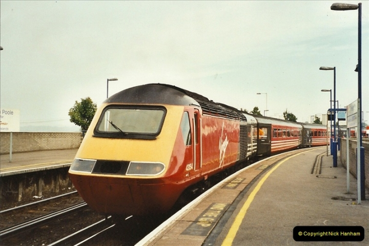 2001-10-01 Poole, Dorset.  (1)386