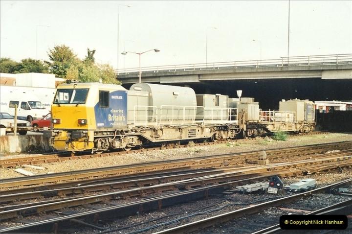 2001-10-13 Bournemouth, Dorset.  (1)390
