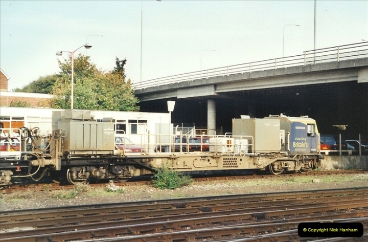 2001-10-13 Bournemouth, Dorset.  (3)392