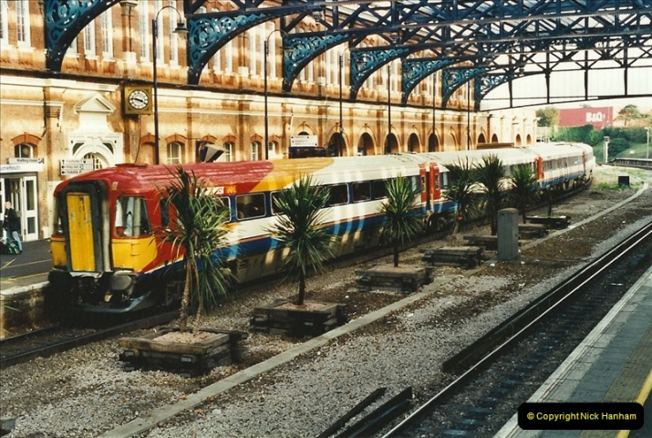 2001-10-13 Bournemouth, Dorset.  (6)395