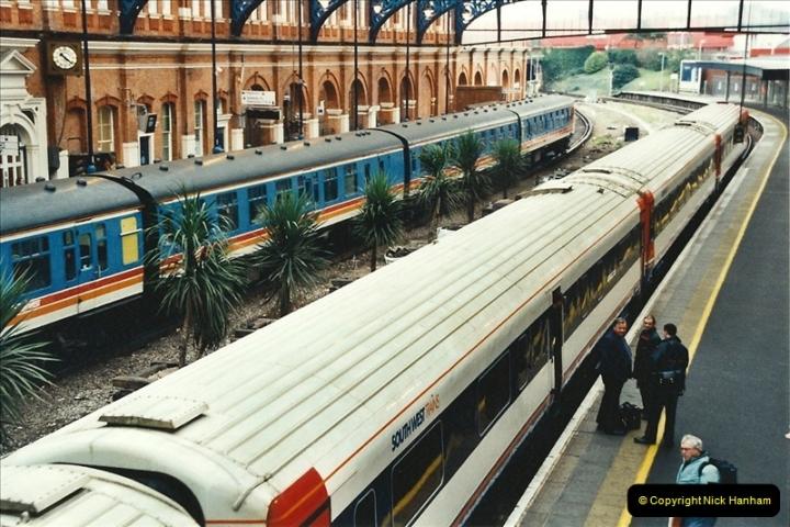 2001-12-18 Bournemouth, Dorset.  (10)414