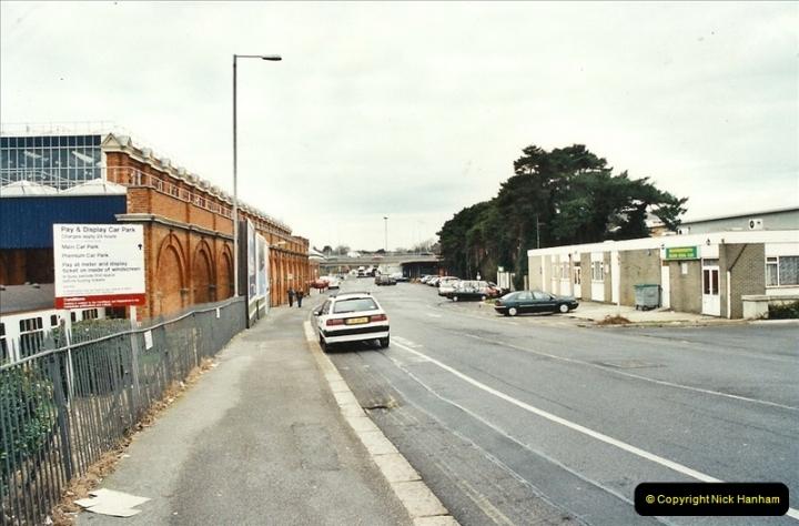 2001-12-18 Bournemouth, Dorset.  (21)425